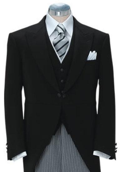 昼の正礼装(モーニングコート) オーダーフォーマル(ダブル仕様、シングル仕様)、オーダータキシード、オーダースーツ等。
