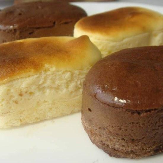 スフレチーズケーキと、完熟チョコレート スフレ、チーズケーキ、チョコレートスフレ、100%北海道無塩発酵バター